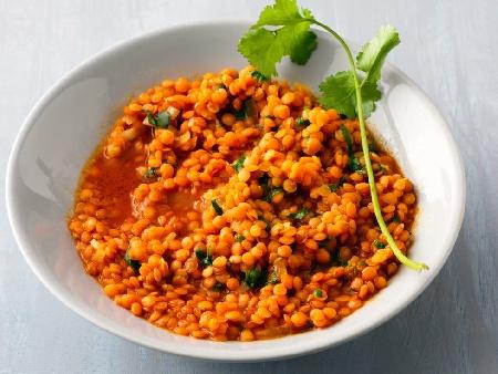 Индийска яхния с червена леща - снимка на рецептата